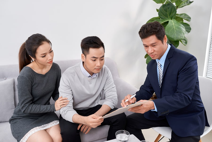man offering best personal loan in Singapore