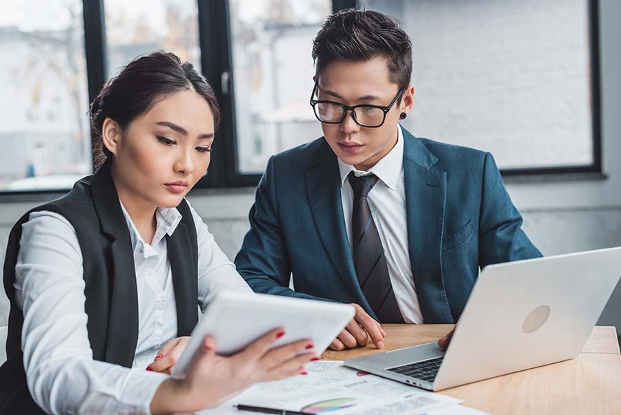 Singapore moneylender agent explaining personal loan terms