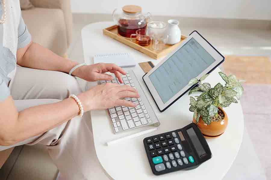 woman applying for a personal loan online